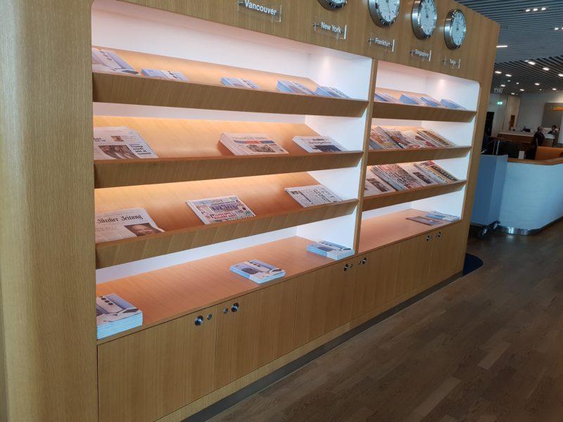 Lufthansa business class lounge magazines