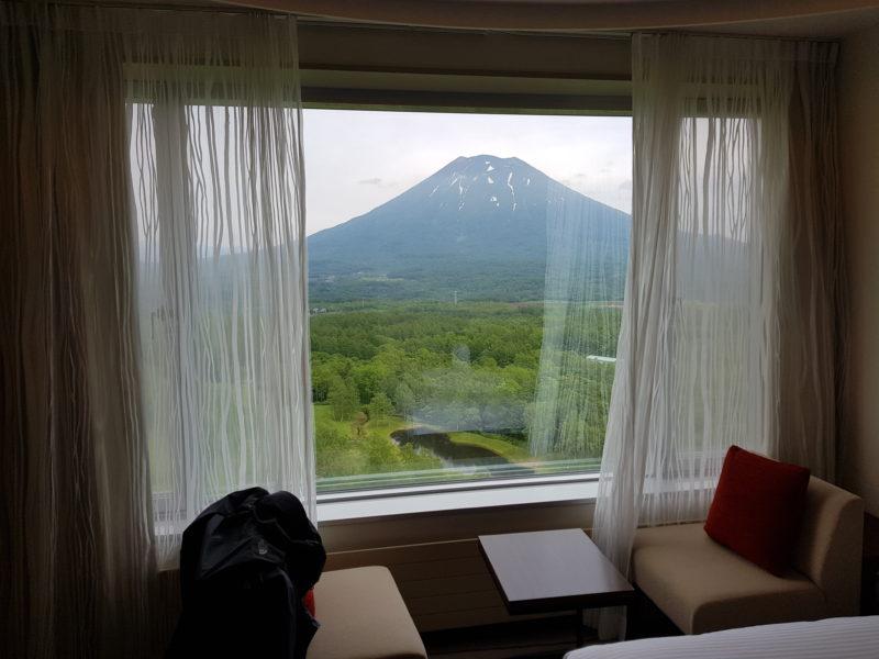 Review Hilton Niseko Village, window