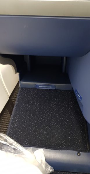 review delta airlines business class