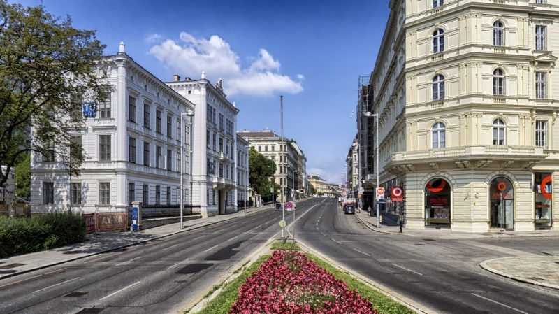 cheap business flights to Vienna