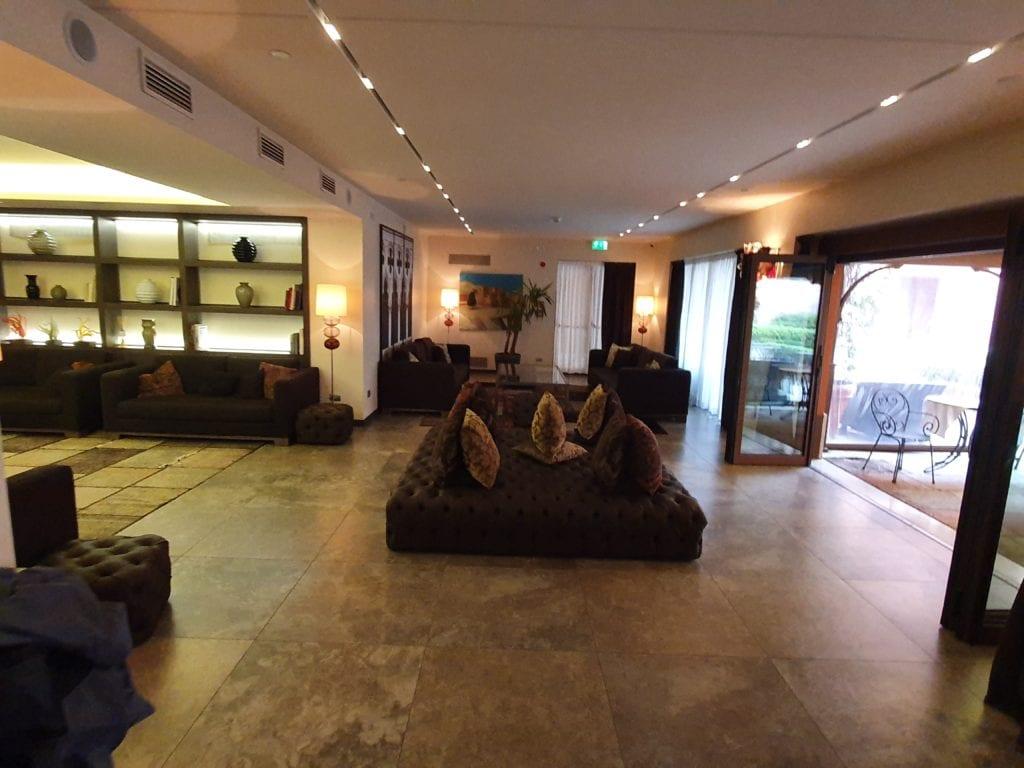 Review Hyatt Centric Murano Venice lobby