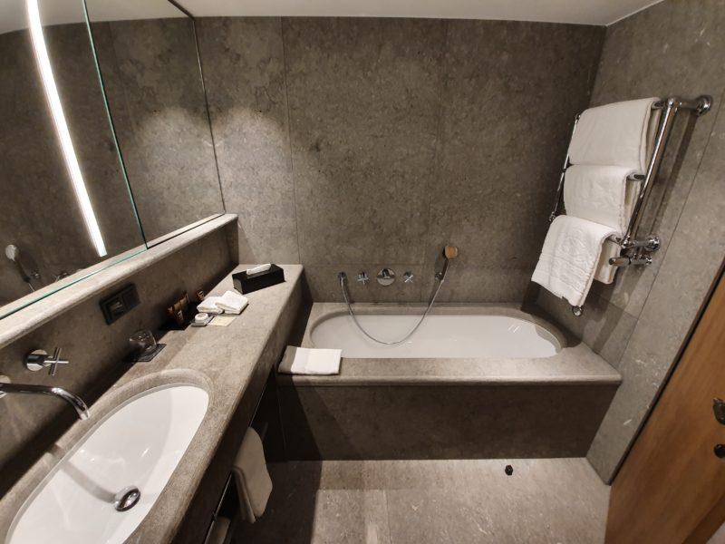 Bayerischer Hof Munich bathroom