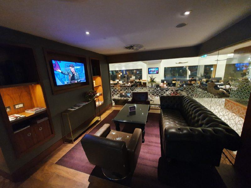 No1 Lounge Heathrow living room area