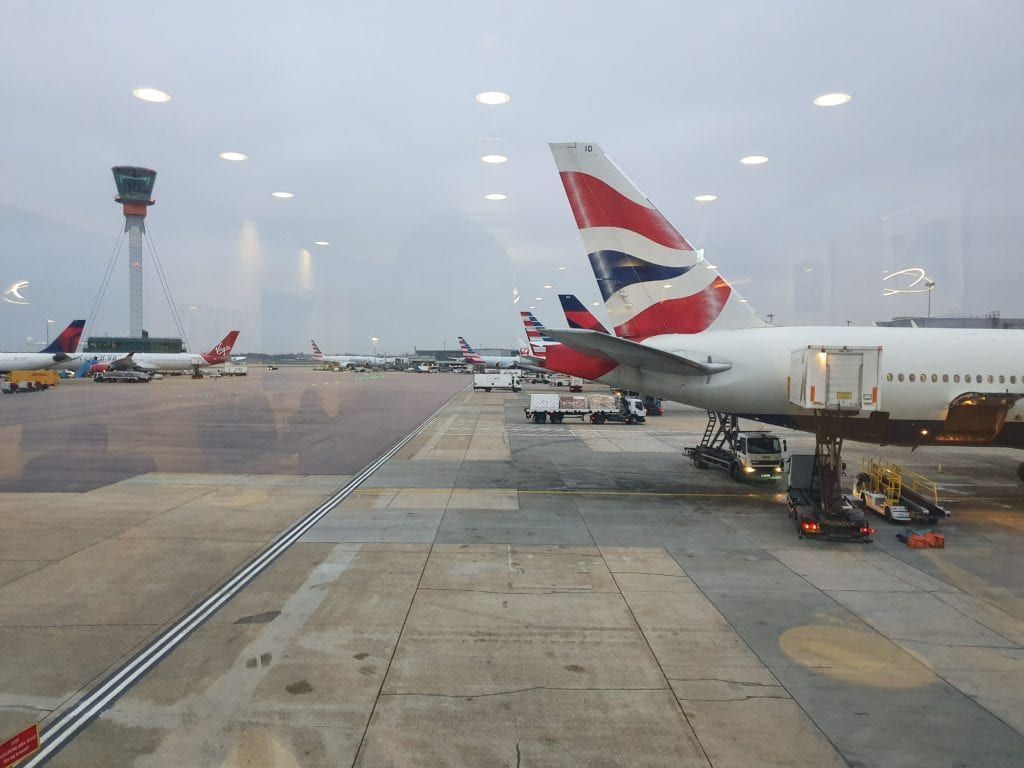 Review American Airlines Admirals Club London