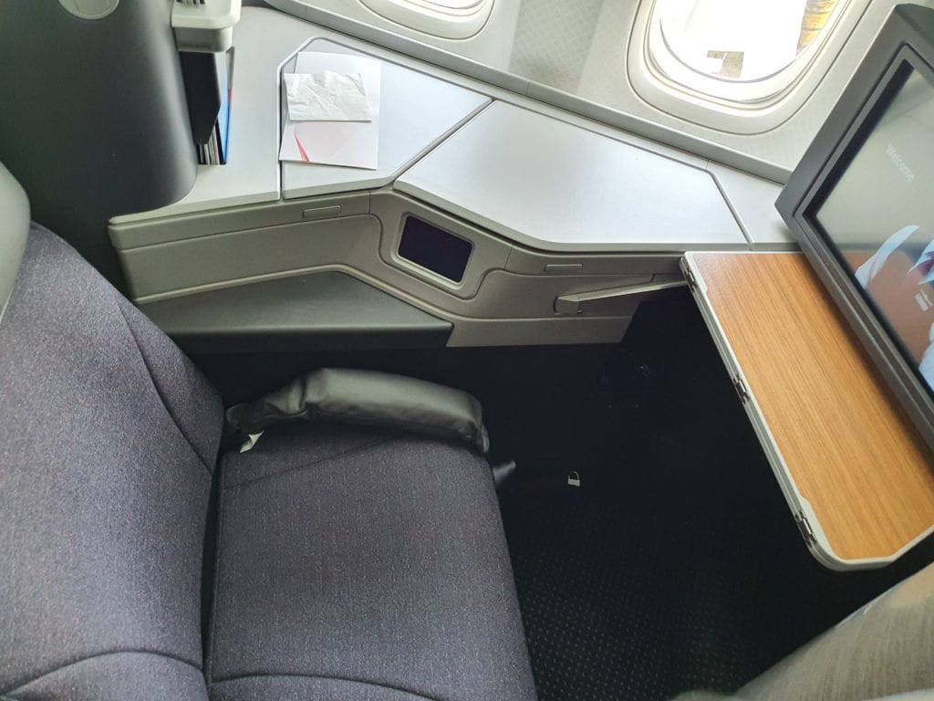 Flight review American Airlines Business class seat