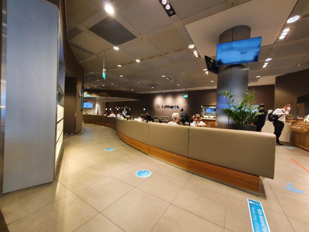Lufthansa Senator Lounge Munich overview