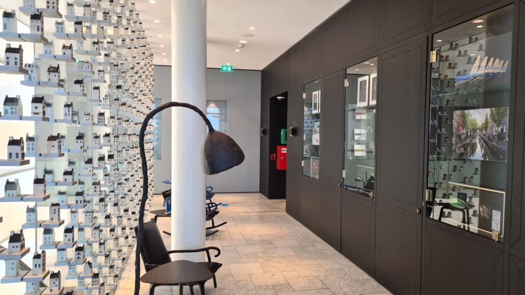 amsterdam crown lounge covid entrance