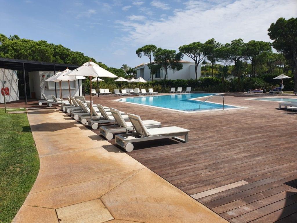 review Pine Cliffs Resort pool