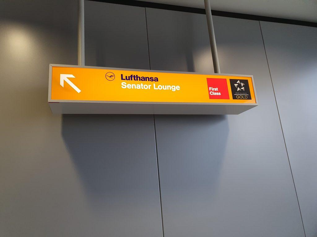 Lufthansa Senator Lounge Frankfurt entrance