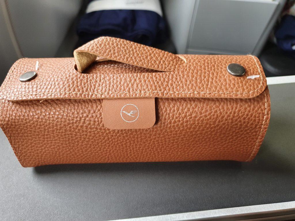 review Lufthansa Business class amenity kit